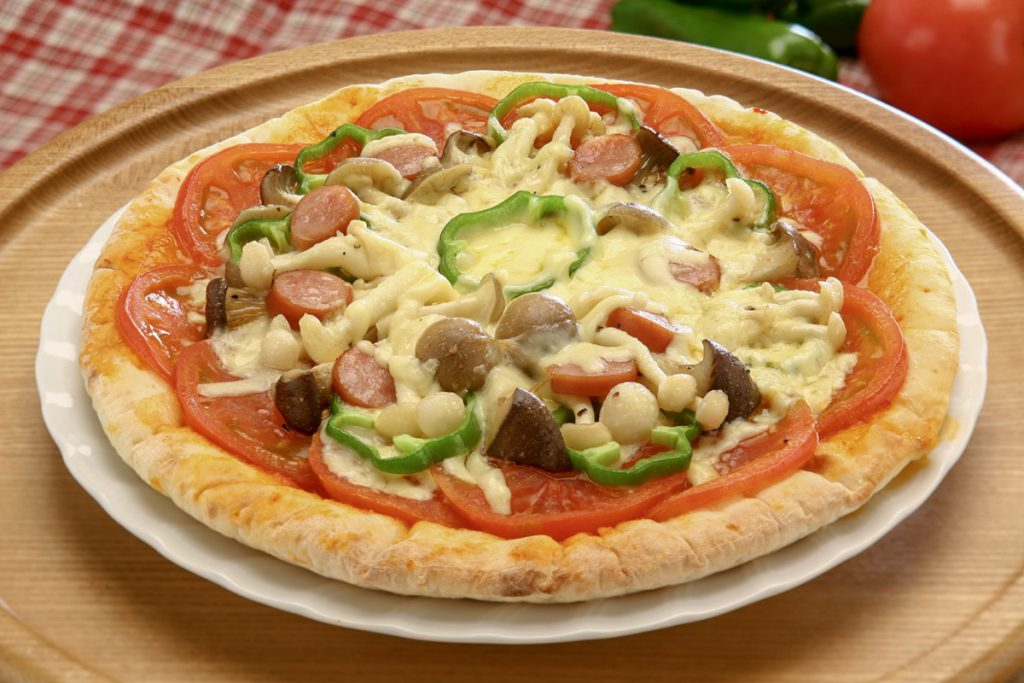 Mushroom and Tomato Pizza